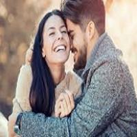نشانه های علاقه مرد به همسرش